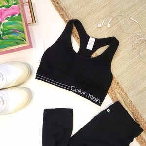 Calvin Klein Black Sports Bra Pull Over Small NEW
